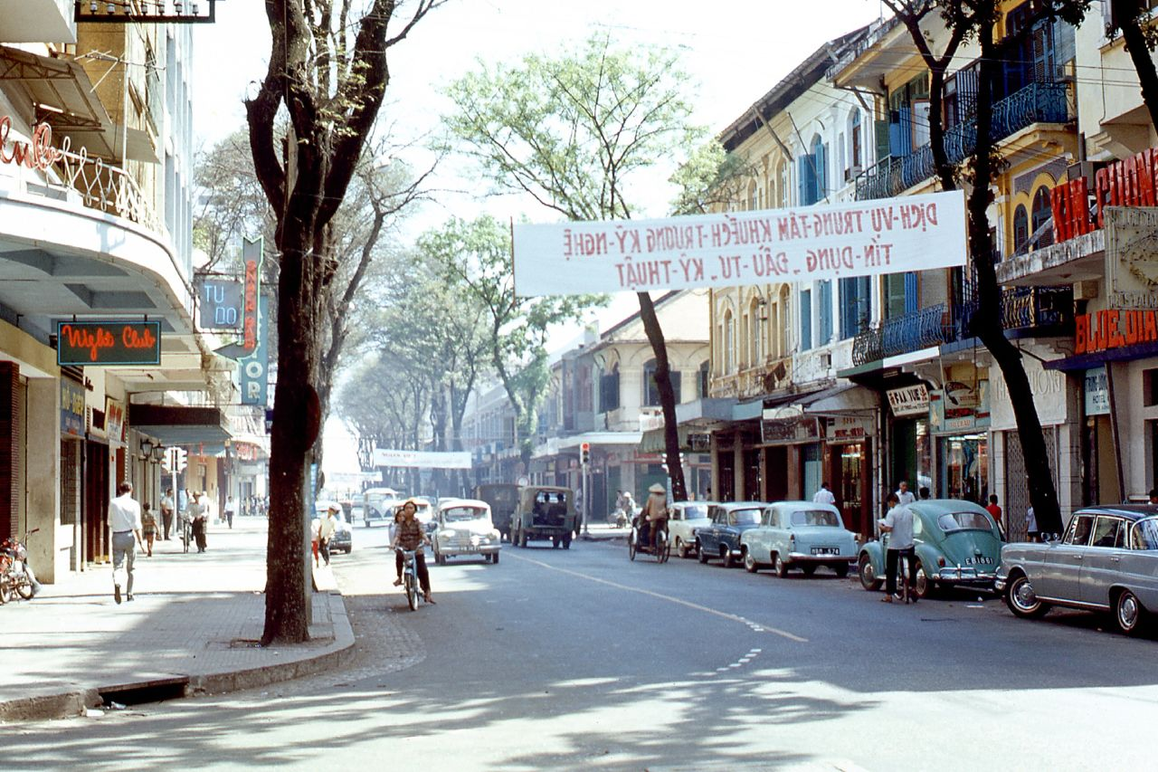 Saigon_street_scene