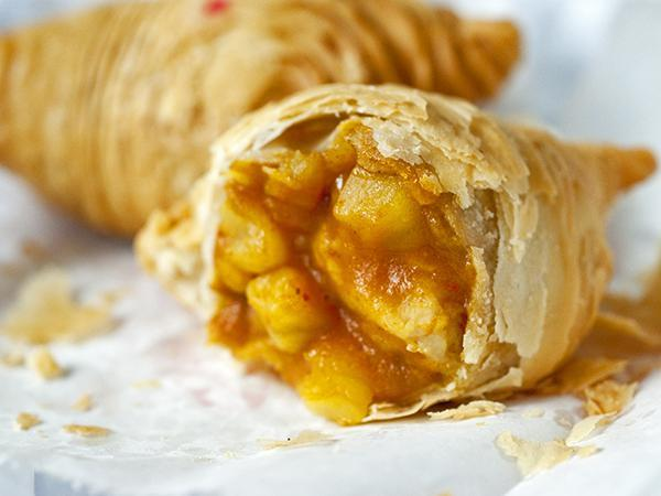 curry-puff_600x450_fillbg_75fecef288
