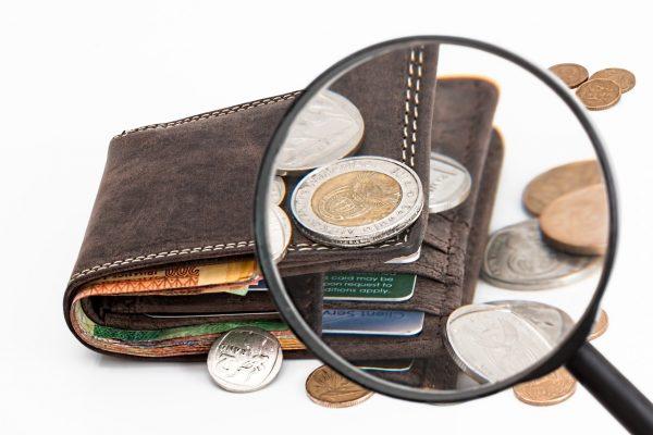 Một tháng sinh viên tiêu hết bao nhiêu tiền?