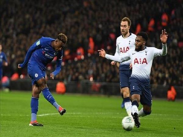 Tottenham thằng thuyết phục