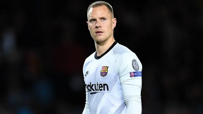 Thủ môn của Barcelona, Ter Stegen đang điều trị chấn thương đầu gối